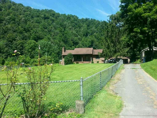 284 North Leevale Road, Whitesville, West Virginia 25209