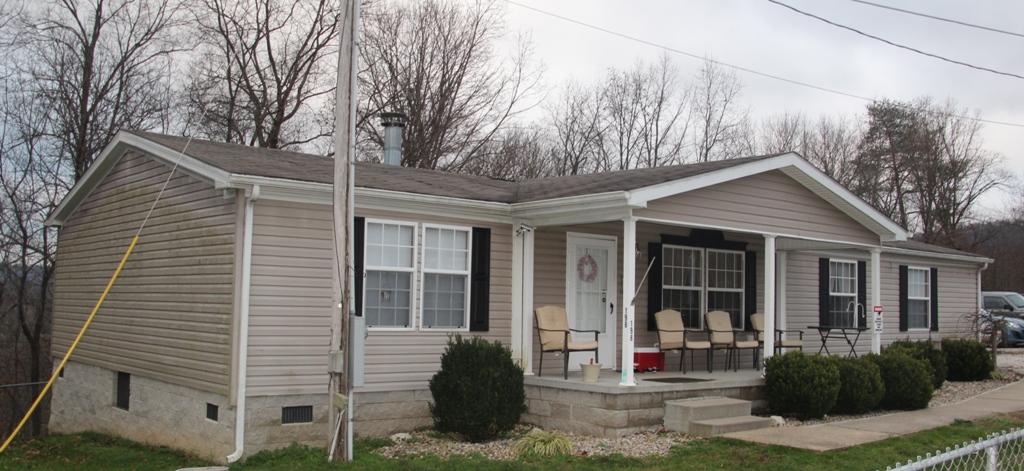 198 Hill Top Road, Clay City, Kentucky 40312