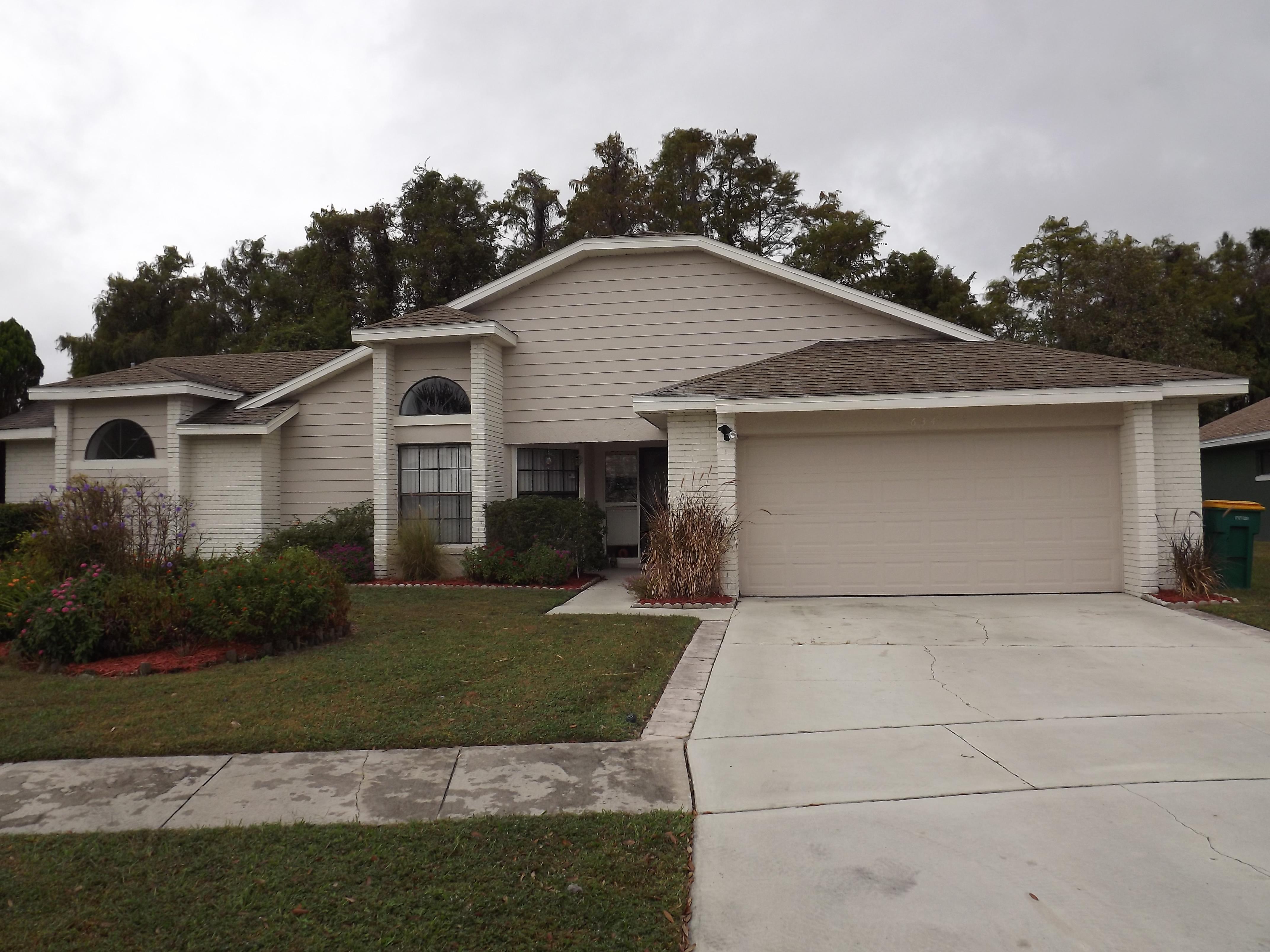 634 Moss Park Ct, Kissimmee, Florida 34743