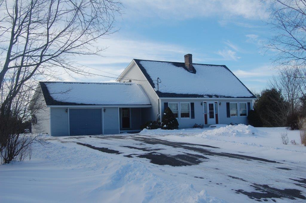 53 Sherwood Lane, Vassalboro, Maine 04989