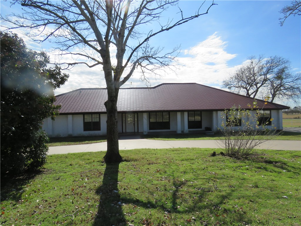 2000 CR 429, Cleburne, Texas 76031