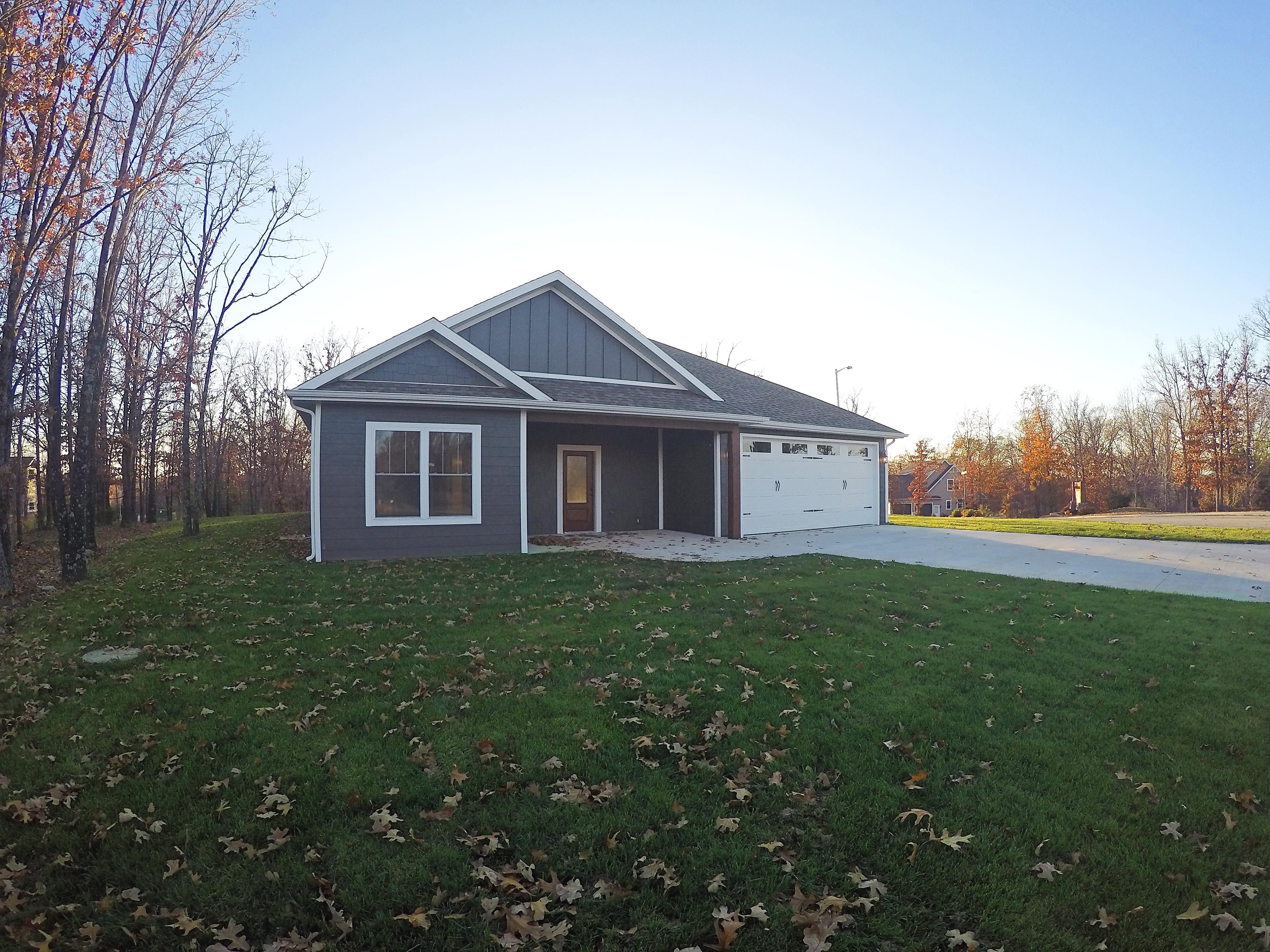 30 Porch Swing Blvd, Camdenton, Missouri 65020