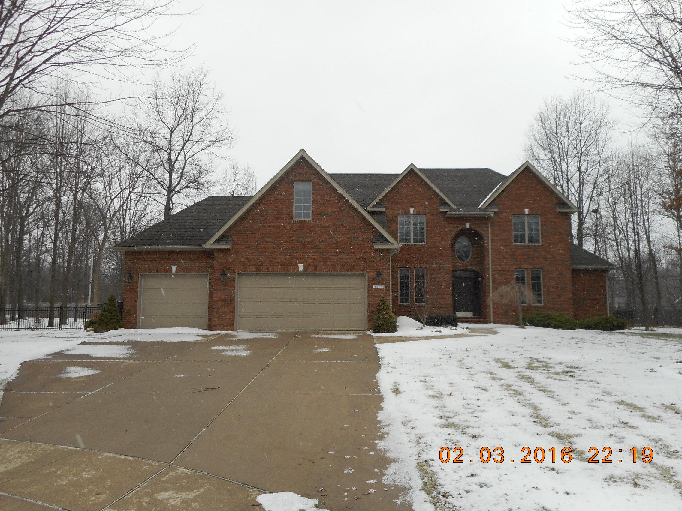 5409 Copper Creek Ct, Midland, Michigan 48640