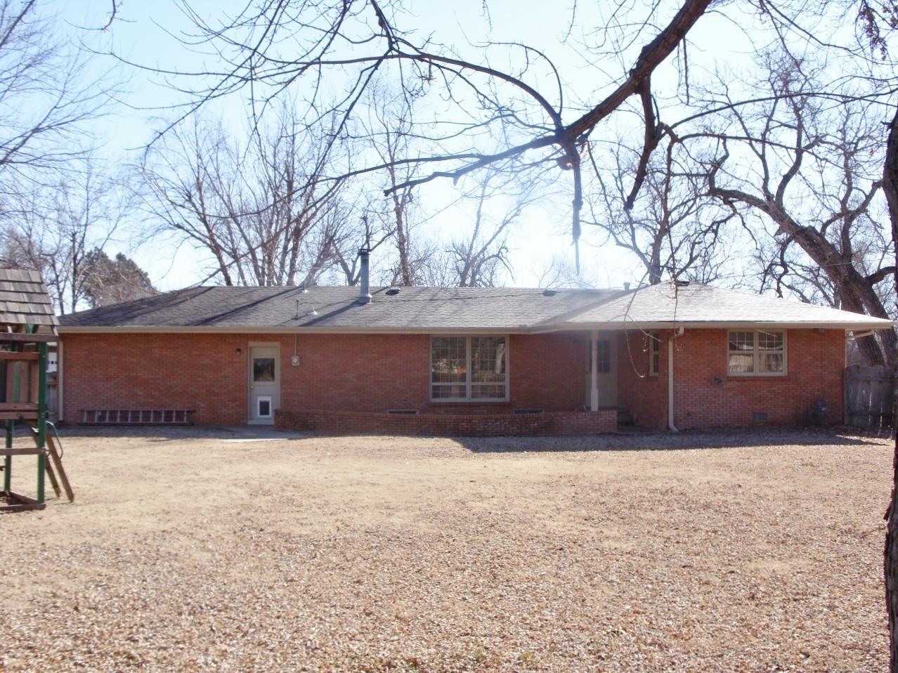 1502 Willow Rd, Hutchinson, Kansas 67502