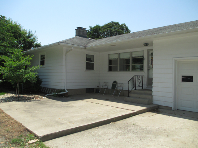 421 W 5th St., Mcnabb, IL 61335