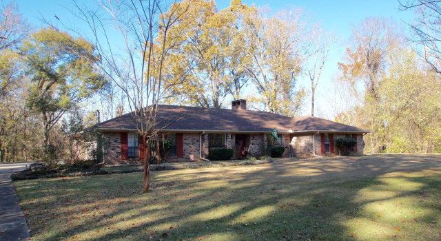 2 Indian Hills Circle, Vicksburg, Mississippi 39180