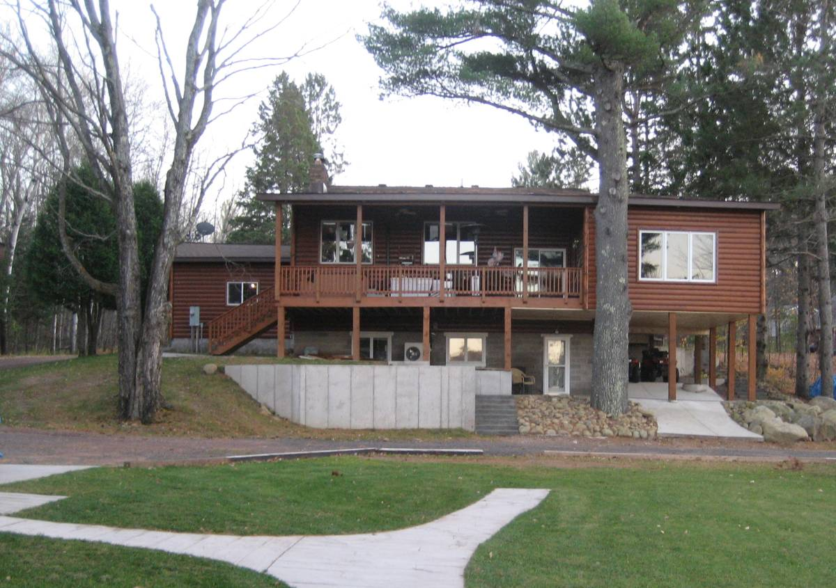 6977 S Graves Road, Lake Nebagamon, Wisconsin 54849