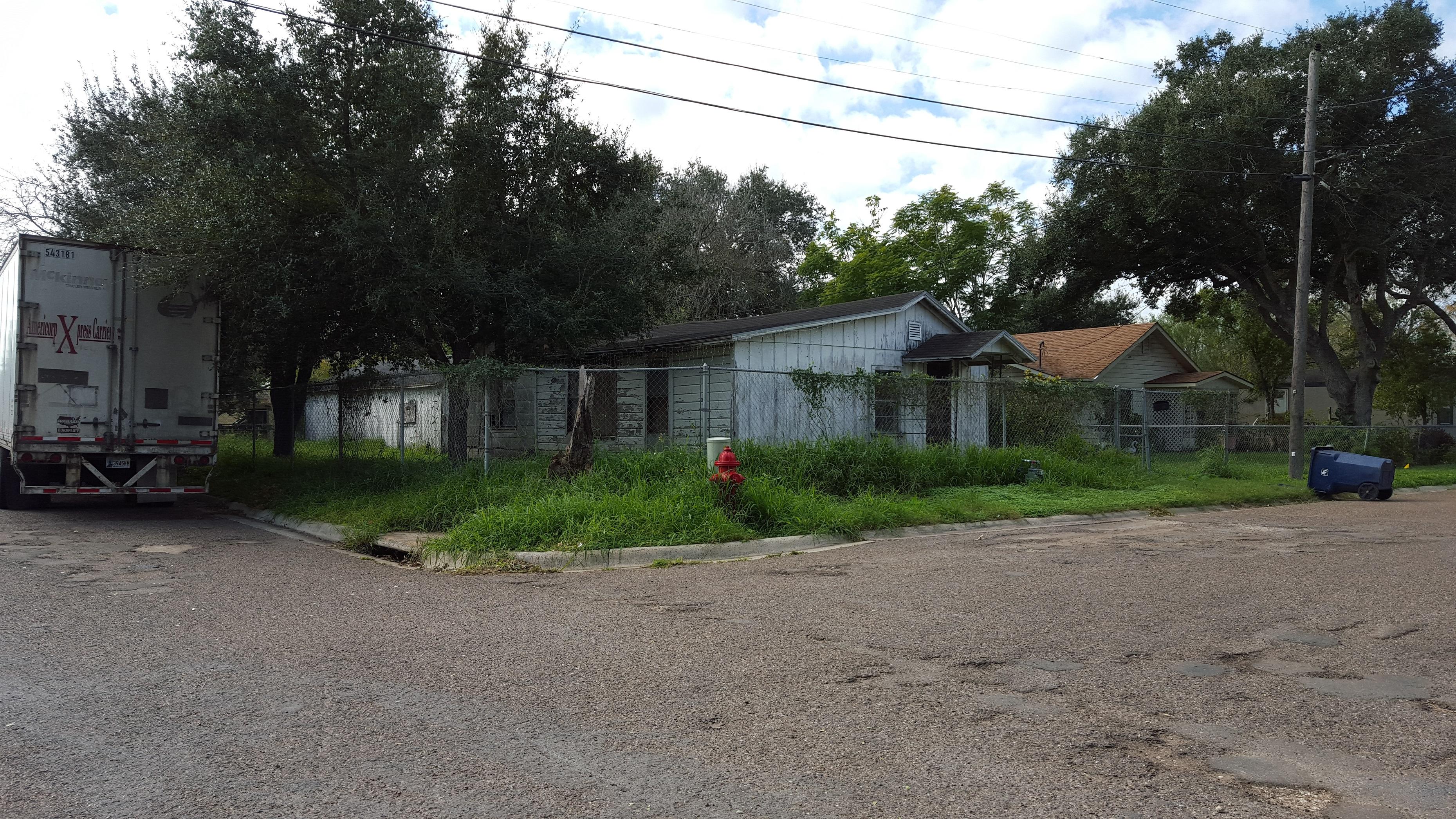 453 W. White St., Raymondville, Texas 78580