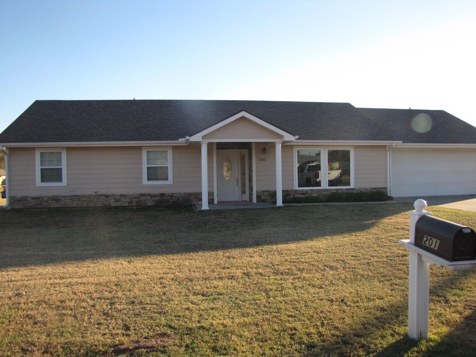 201 E 3rd Ave, South Hutchinson, Kansas 67505