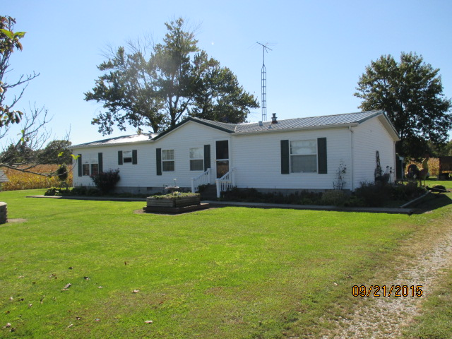 22987 N Post Oak , Walnut Hill, Illinois 62893