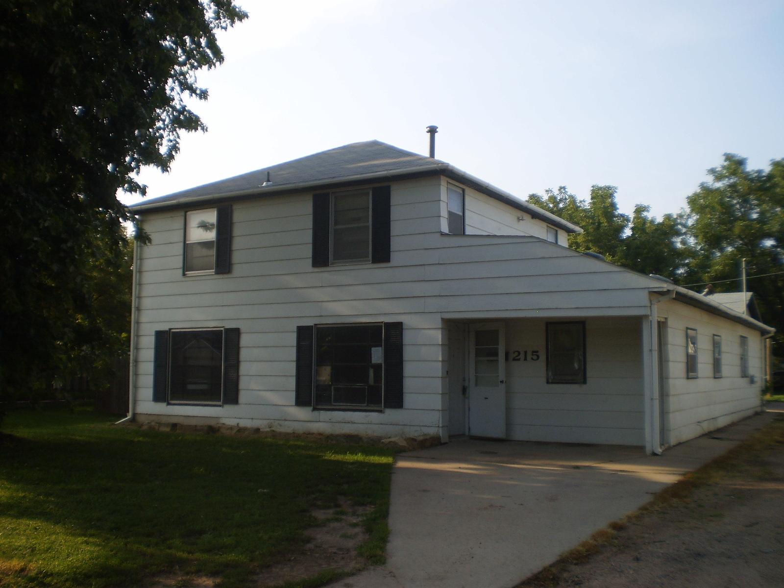 215 E Jay, Lyons, KS 67554