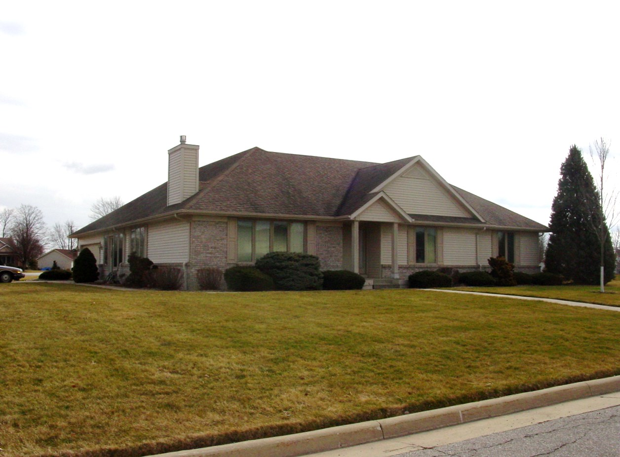 1001 Stonehedge, Bryan, Ohio 43506