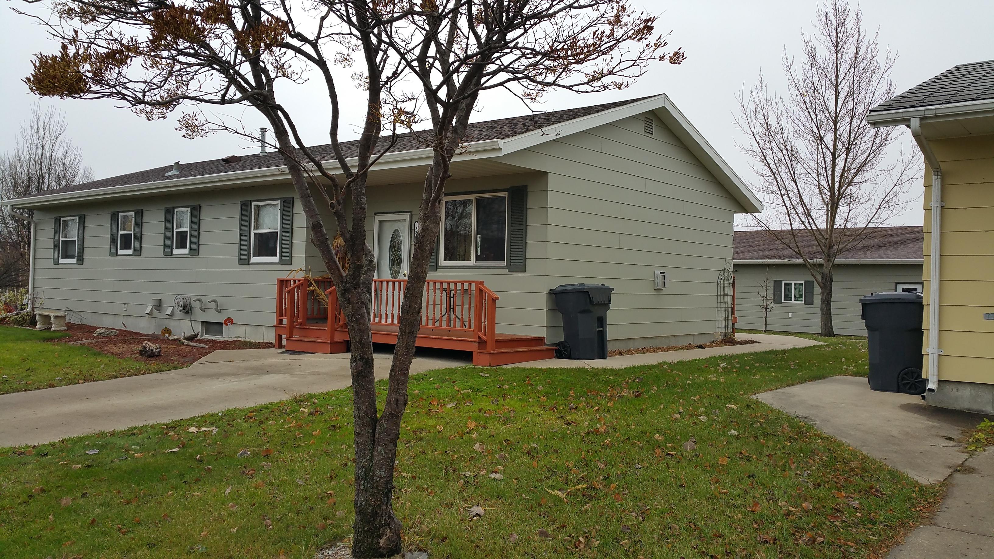 324 E 10th St, Grafton, North Dakota 58237