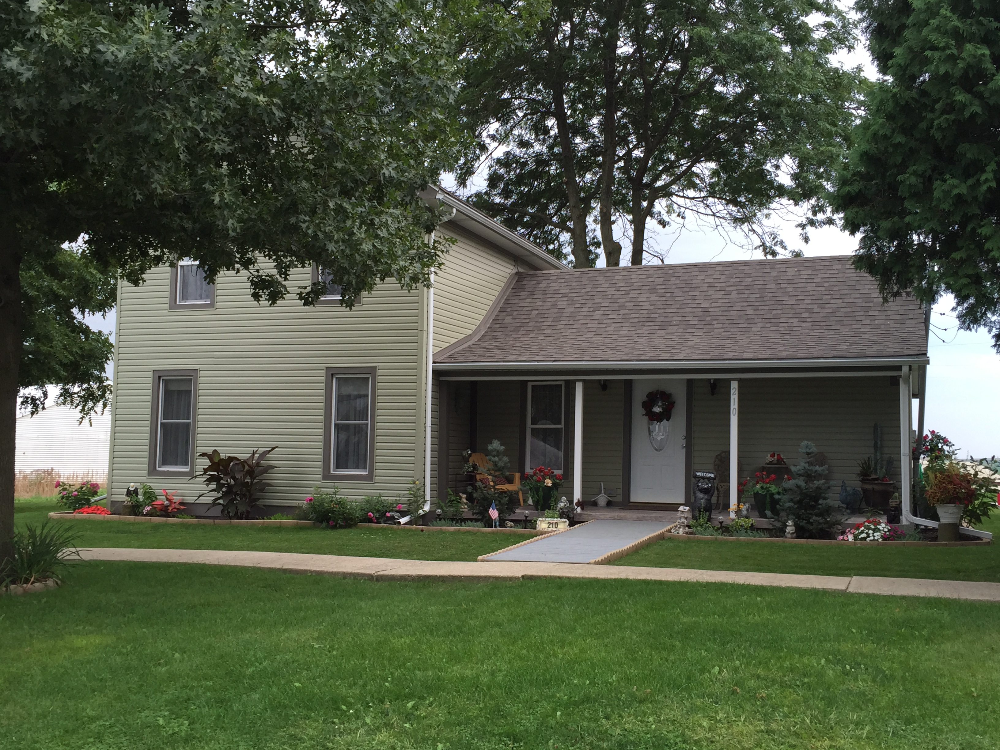 210 E Chester, Cabery, Illinois 60919