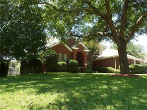 911 Hemphill Dr, Cleburne, Texas 76033