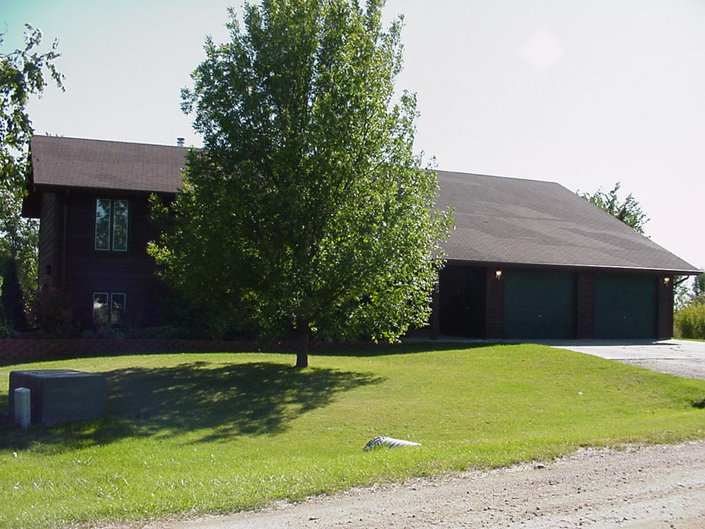 420 Edgewood Rd, Thompson, ND 58278