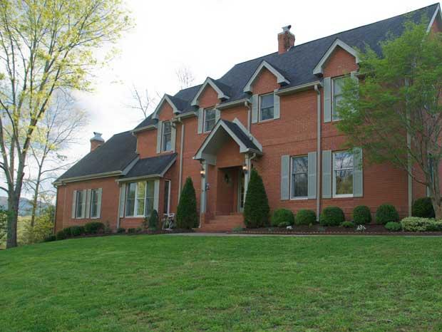 19 Ennismore Dr., Iddlesboro, Kentucky 40965