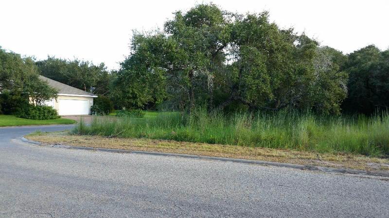 202 Forest Hills, Rockport, Texas 78382