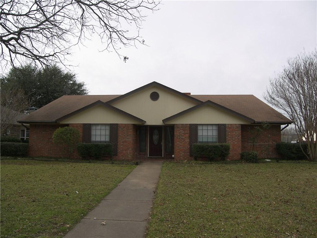 1113 Lena St, Cleburne, TX 76033
