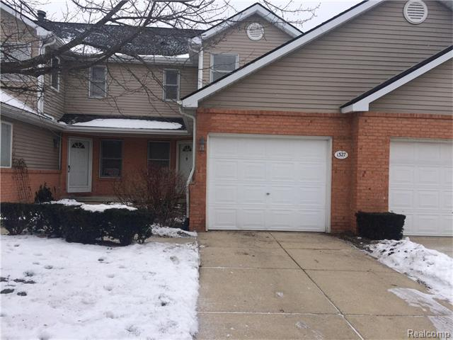1327 Steeplechase, Howell, Michigan 48843
