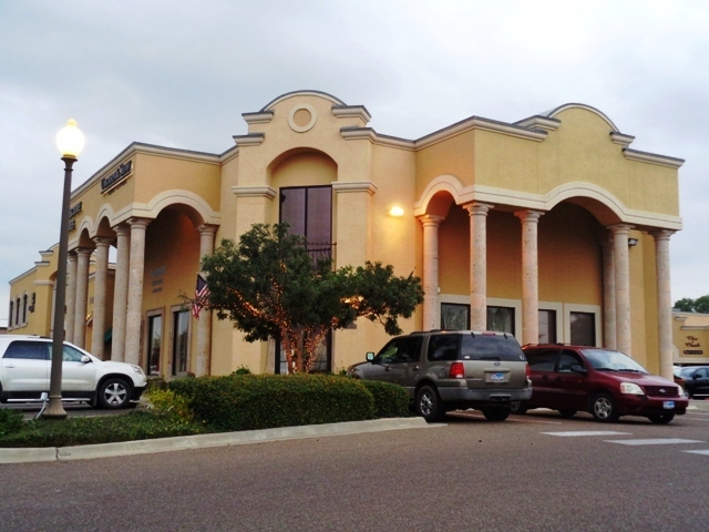 107 Calle del Norte, Laredo, Texas 78041