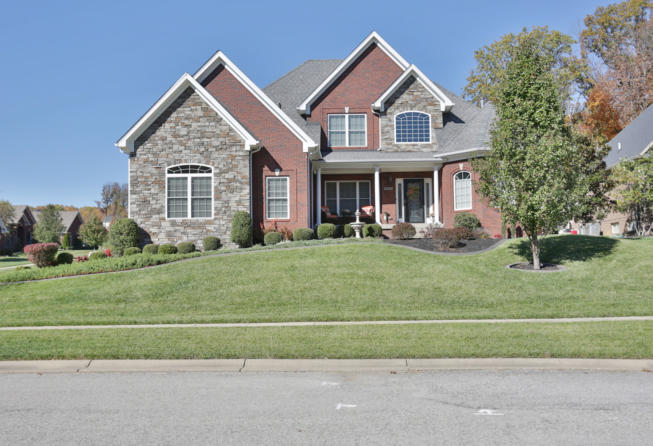 8103 Bella Woods Drive, Louisville, Kentucky 40214