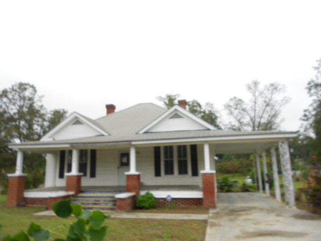 506N Railroad St, Broxton, Georgia 31519