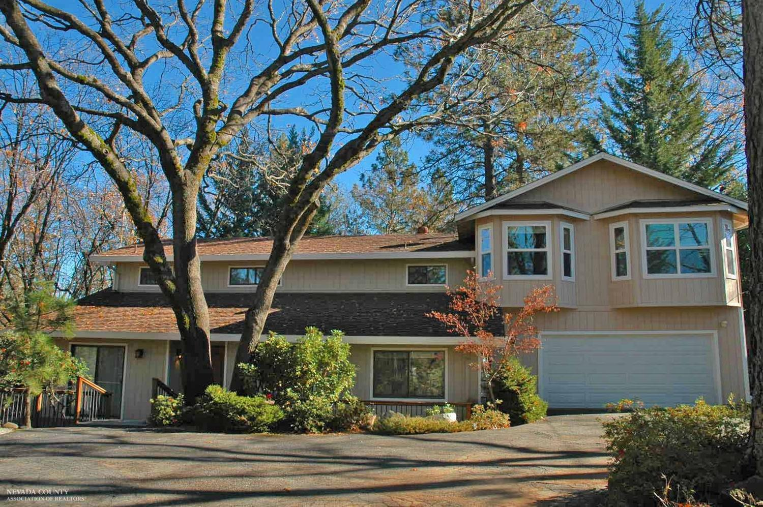 17207 Alexandra Way, Grass Valley, California 95949