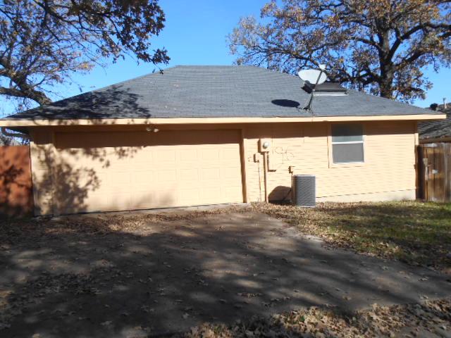 527 Oakridge Dr, Greenville, Texas 75402