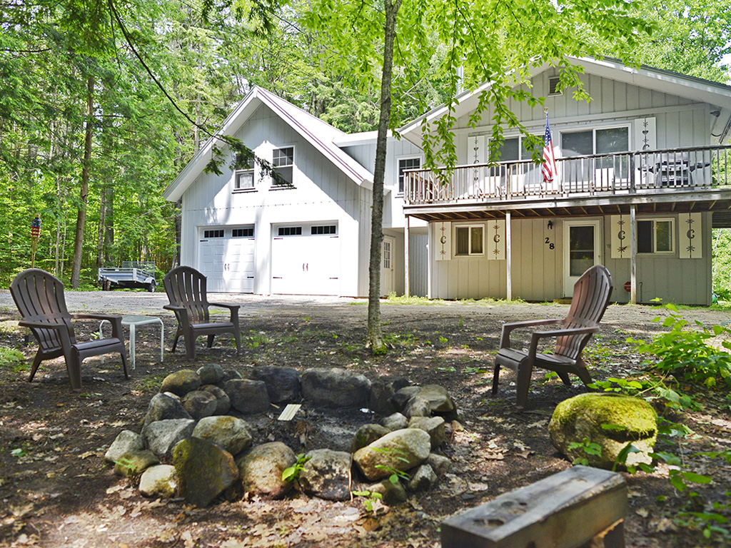 28 Village Rd, Bridgton, Maine 04009