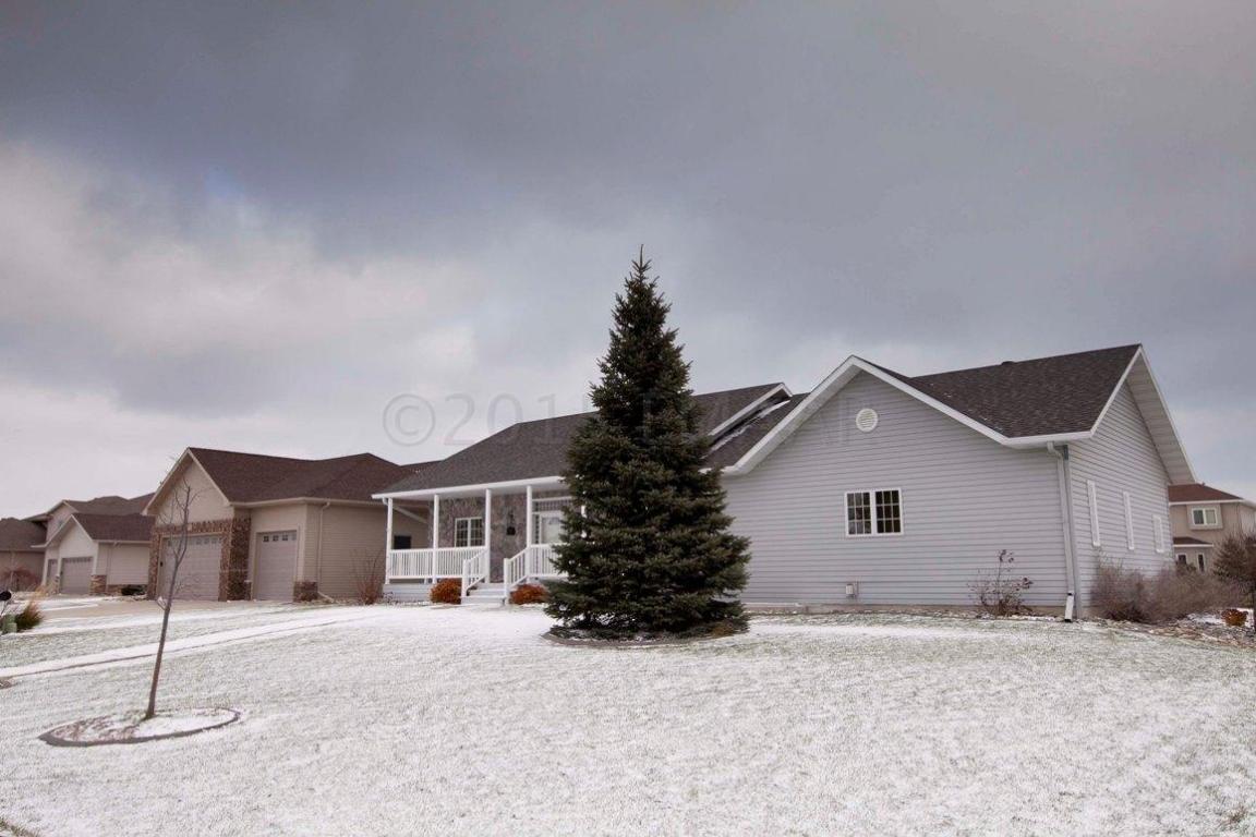 2047 Ruxton Ct, West Fargo, North Dakota 58078