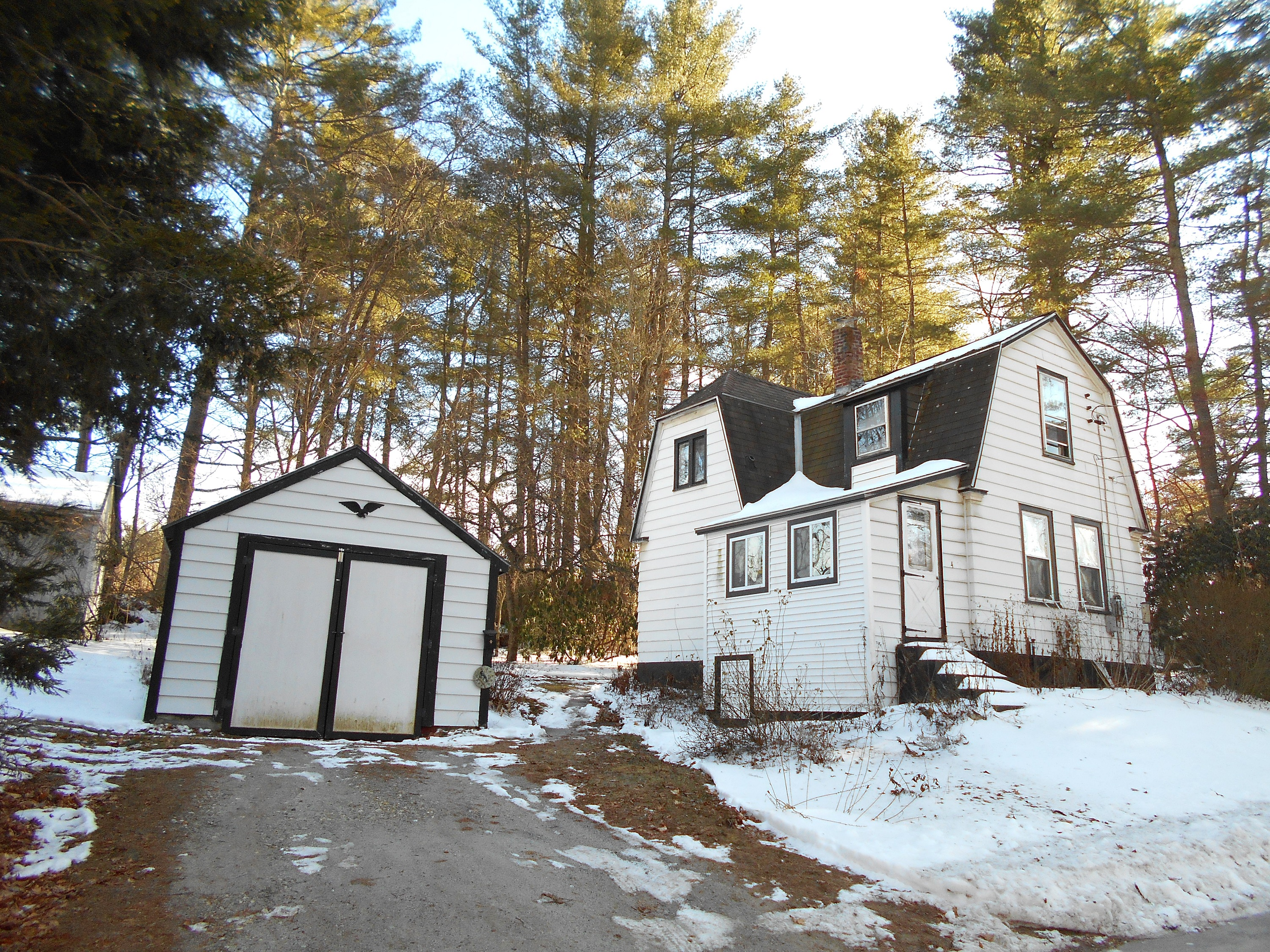 4 PINE AVE, Claremont, New Hampshire 03743