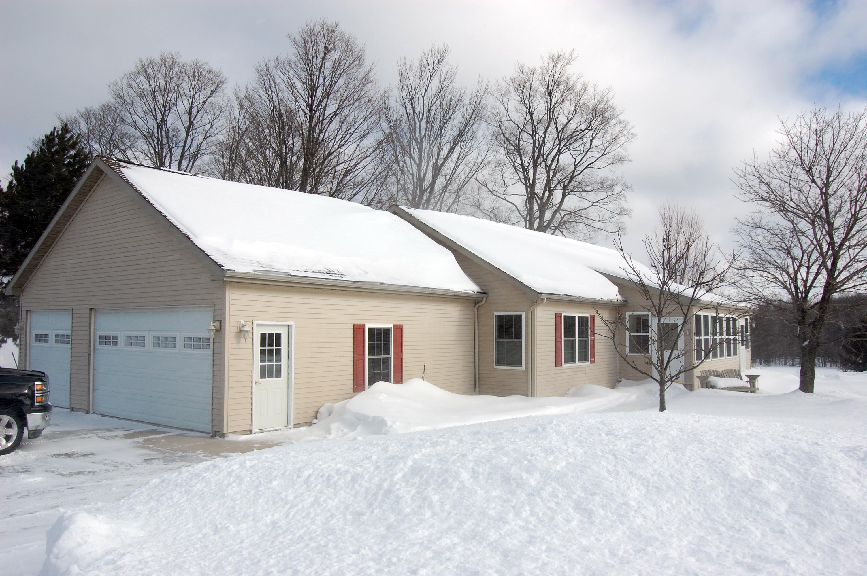 3590 E Brutus Rd, Alanson, Michigan 49706