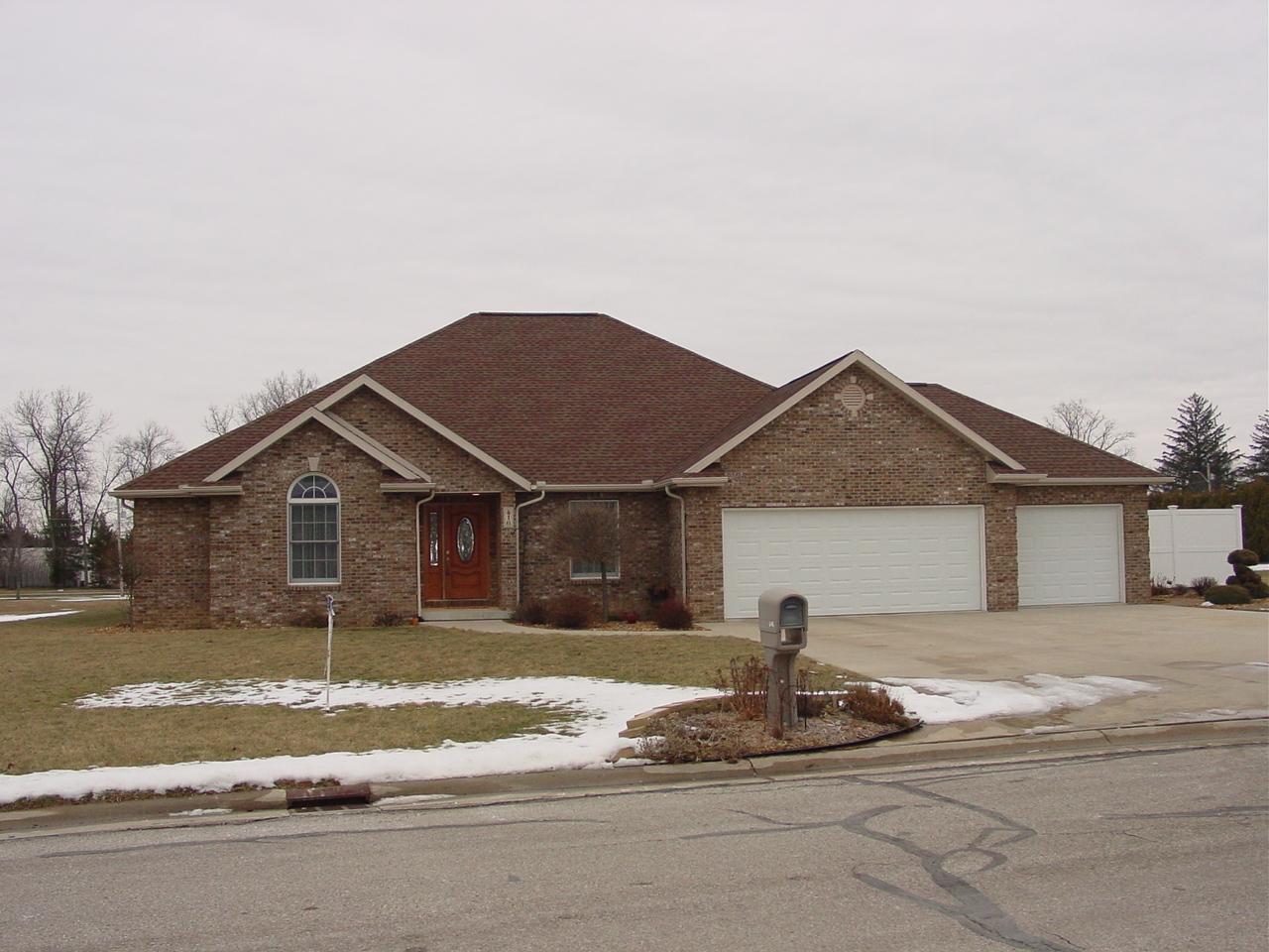 416 W. Lynn St., Pioneer, Ohio 43554