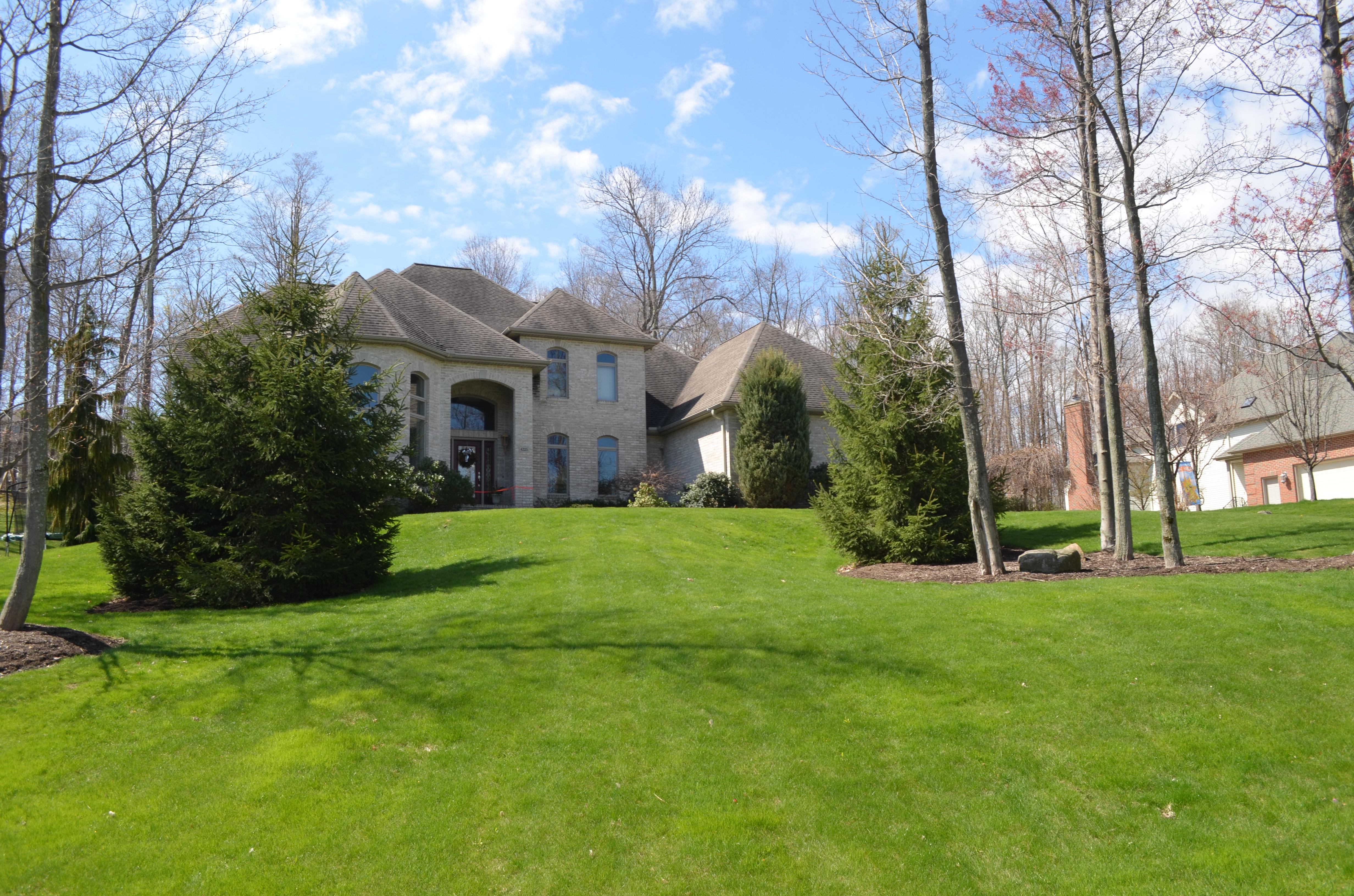 4225 Stone Creek Drive, Erie, Pennsylvania 16506