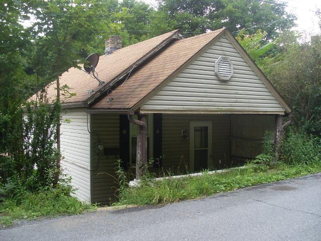 377 Lunen , Johnstown, Pennsylvania 15902