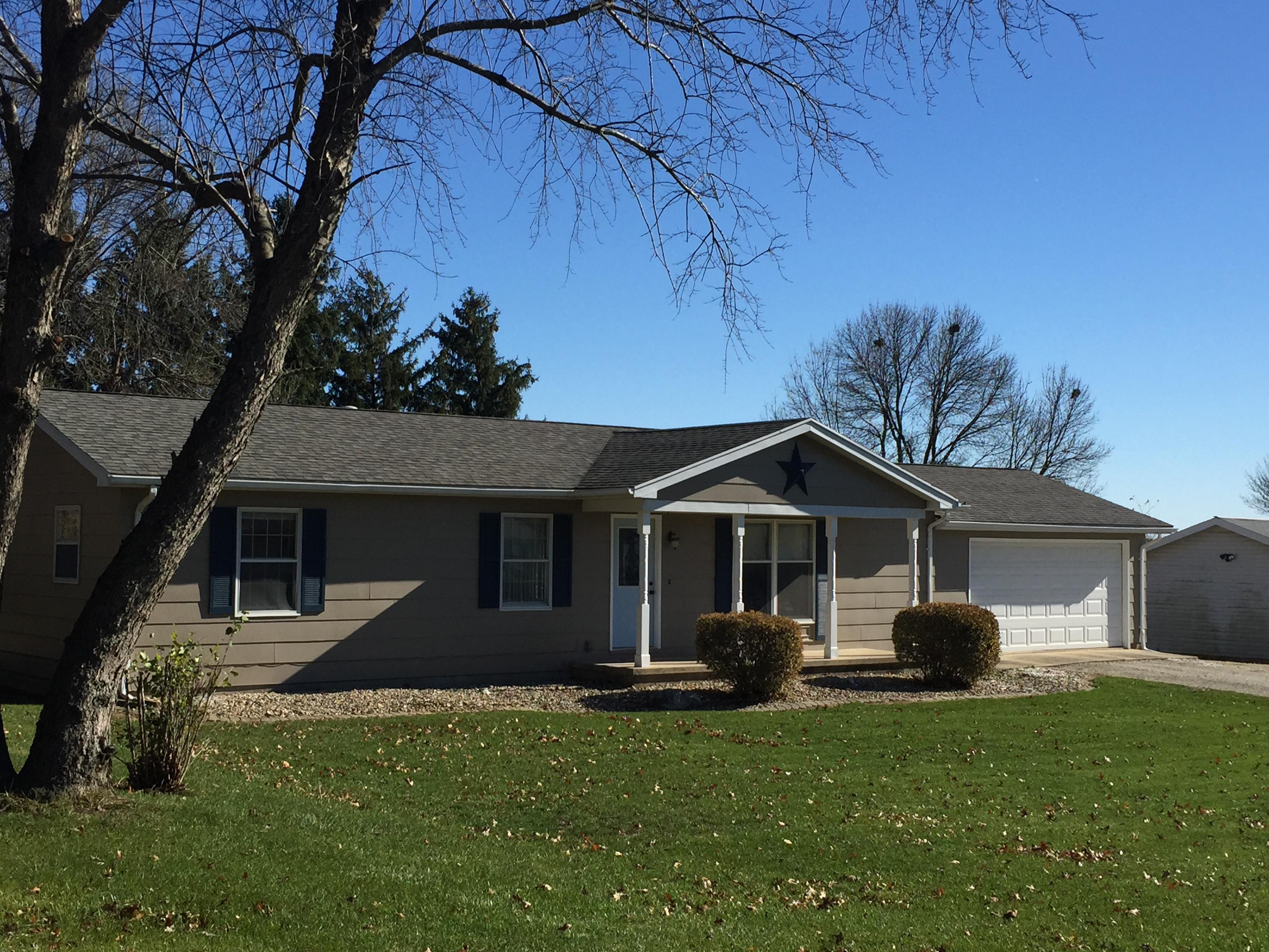 811 S High, Paxton, Illinois 60957