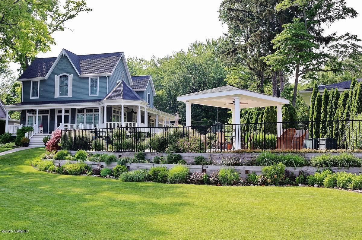 5625 Benson Terrace, Coloma, Michigan 49038
