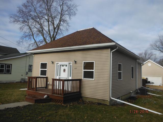 107 2nd St., Walnut, Illinois 61376