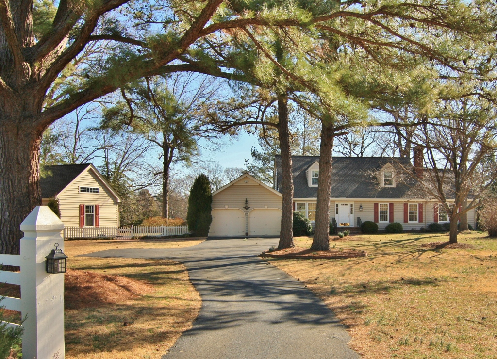 30 Old Mill Cove Road, Irvington, Virginia 22480