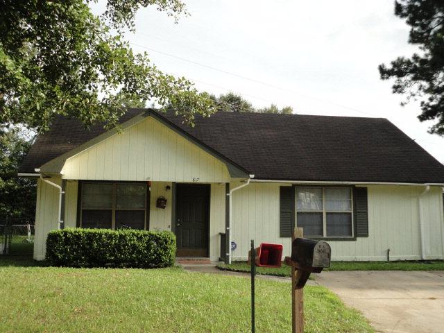 817 Hidden Hollow Circle, Hinesville, Georgia 31313