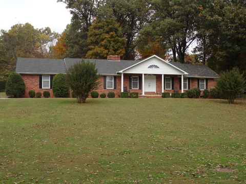 2001 Barnhill Road, Paragould, Arkansas 72450