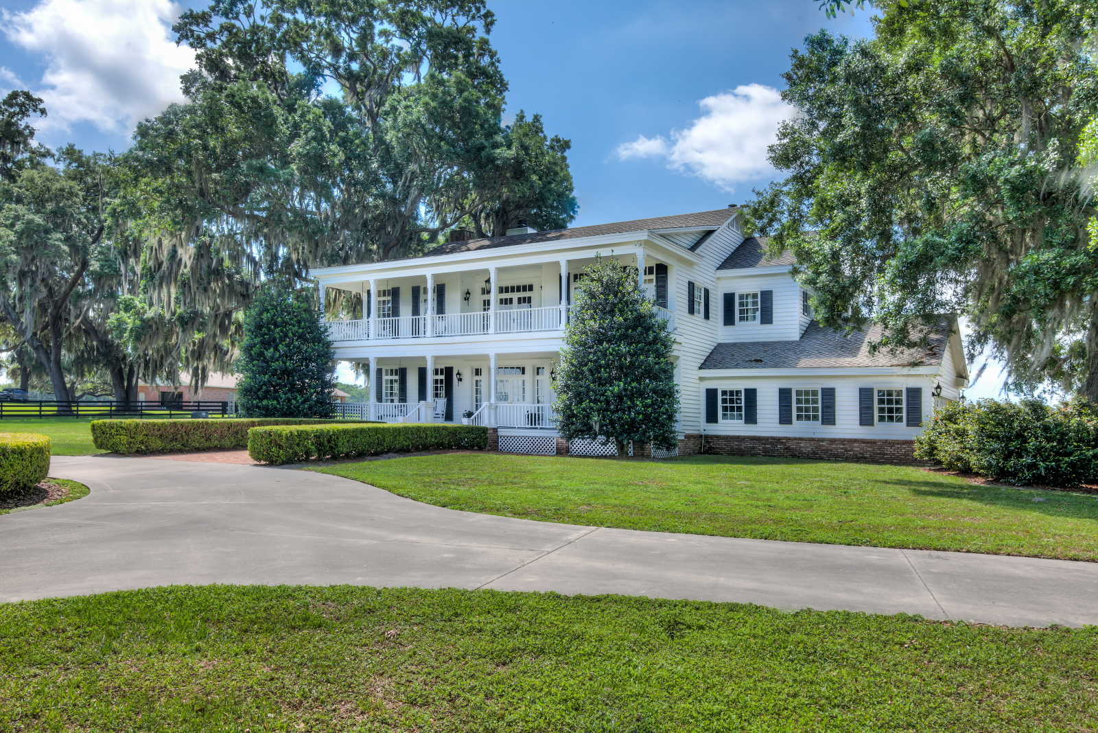23320 Wolf Branch Road, Sorrento, Florida 32776