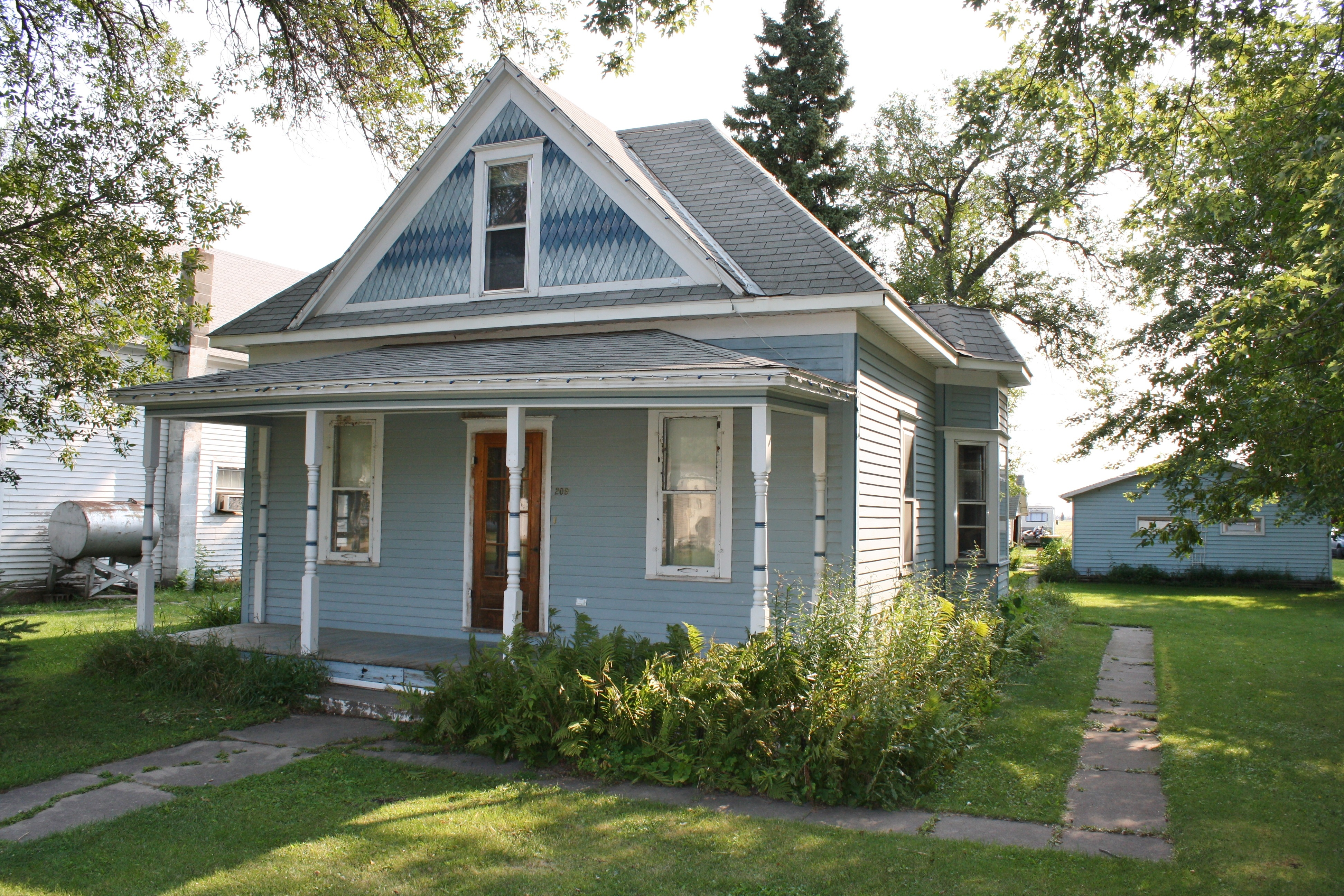 209 Prospect Ave, Gilby, North Dakota 58235