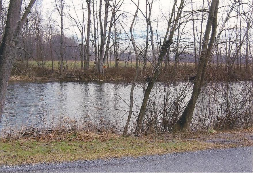 1660 Canada Drive, Millmont, Pennsylvania 17845