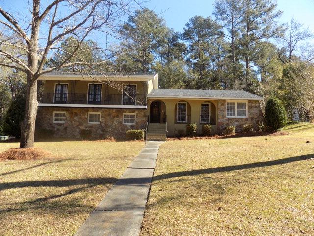 1114 Strathmore, Dothan, Alabama 36303