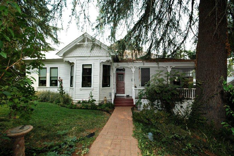 55 Nickerson Street, Sutter Creek, California 95685