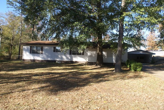 150 Floy Lee, Gilmer, Texas 75645