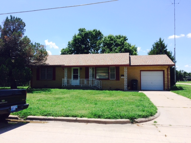 1215 N. Vine, Hoisington, KS 67544