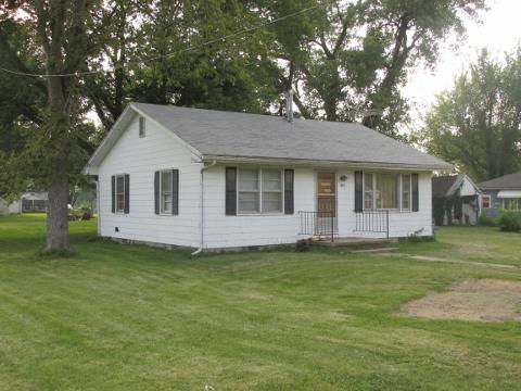 619 Bradley, Higbee, Missouri 65257